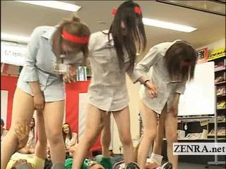 Япония Работников Играют Странные Причудливые Группы Оральный Секс Игры