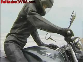 Японская Девушка Едет Фаллоимитатор Motorcylcle