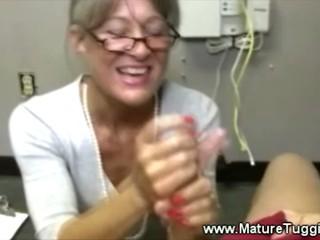 Матушка Бьется Парень Мяса