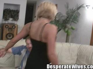 Шлюха Жена вики Муж Посылает Ее для того Чтобы Быть Хорошим диплом Шлюха