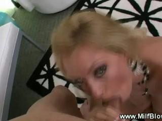 Пышногрудая Блондинка Менструации Любит Пищи Петух