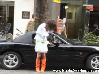 Азиатская Шлюха В Окно Автомобиля