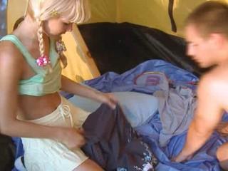 Косичкой 20-летняя Крошка Сексом В Палатке