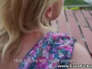 Блондинка Любительской Позволяет Чувак Ебать Ее Сзади