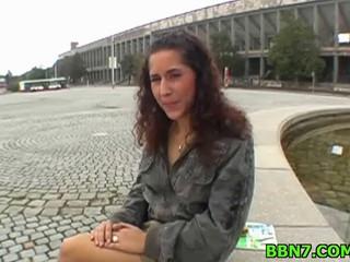 Сексуальный Brunette Милая Дразнить