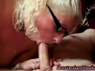 Блондинка Hooker В Spex И Чулки