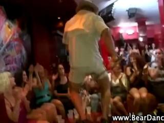Вечеринки Cfnm Реального Hotties Go Wild