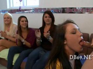 Пьяные Девочки Сосать Петухи