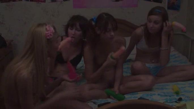 Четыре Девушки В Русских Шоу