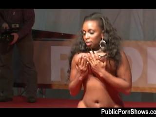 Большой Грудью Ebony Шлюха Танцует Сексуальный