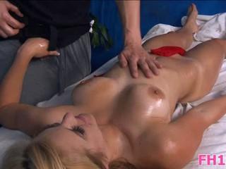 Горячая И Сексуальная Блондинка 18 Лет Получает Fucked Hard