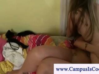 Озорная Девушка-Студентка Колледжа Портящие Петух