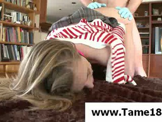 Подросток Slave Получает Прибил Догги