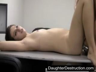 Дочь Первый Раз