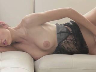 Сексуальное Женское Белье И Очаровательная Фаллоимитатор Игры