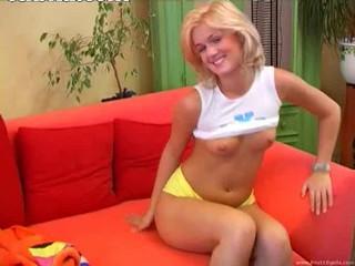 Чешская Блондинка Принцесса Чертовски Фаллоимитатор