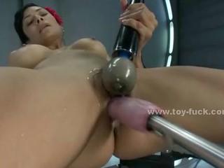 Сексуальная Девушка С Круглыми Сиськами Трахают В Киску С Игрушками Раза В Волны Удовольствия