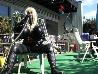 Roxina2009SuperGurlCummingOut020609XL