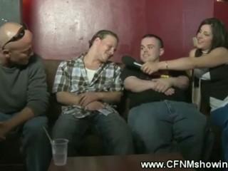 Horny CFNM младенцев поднимая Повезло Ребята