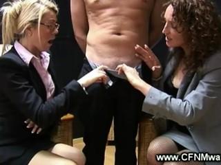Сексуальный Офис Милая Играть С Петухом И Хотят Его