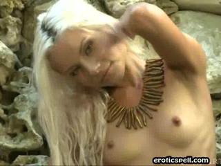 Блондинка Чик Показывающая Все Это Для Вас