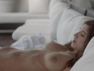 Breasty Babe Совокупляются На Террасу