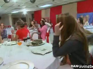 Горячие Девушки На Вечеринке Сходят С Ума