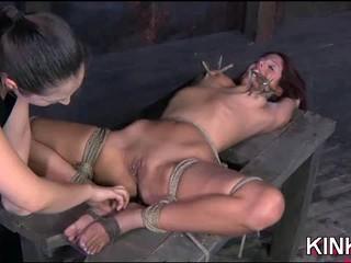Горячая Девушка Получает Связаны Жесткий