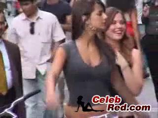 Арабские Девушки На Улицах Испании Басти