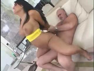 Ева Ангелина В Желтый