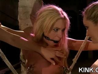Интенсивные БДСМ Секс С Красивой Блондинкой