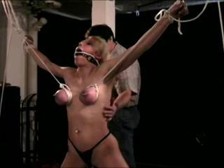2 Распутная Евро Babes Получить Связали Пытали Несколько Возбужденный Развратные Мужчины