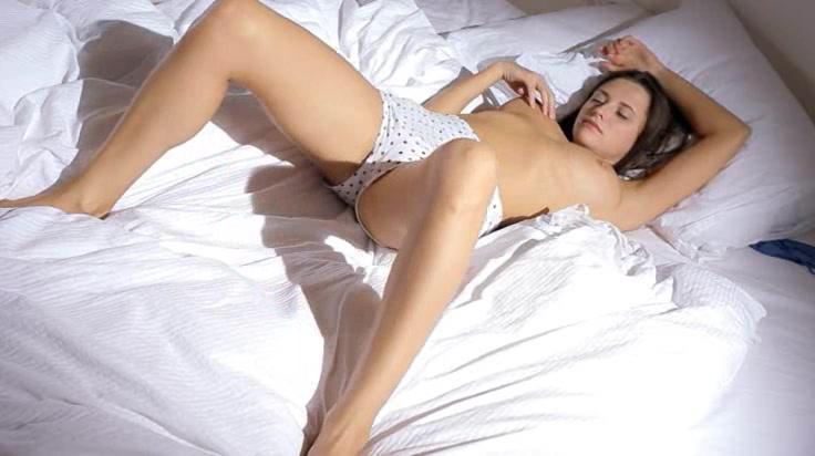 Titty Тини Wow Зачистки На Кровать