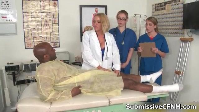 Очень Сексуальная Блондинка Доктор С Большими Сиськами